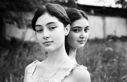 DINA OGANOVA Tbilisi, Georgia + Former USSR www.dikarka.ge @dikarka__