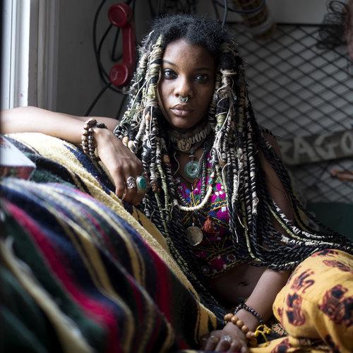 EMILIA LLORET Quito, Ecuador www.emilialloretphotography.com @emilialloret // @emilialloret